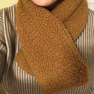Teddy bear faux fur collar scarf in camel